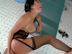 Stunning milf knows the perfect treatment for this hot male