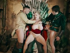 Game of thrones roleplay wth two amazing milfs