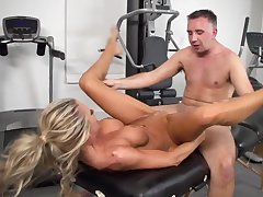 Hot workout at the gym by slutty wife Courtney Taylor