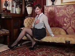 Solo objurgation pussy wits insatiable British mature woman Kitty Creamer