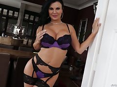 Sextractive British prostitute Jasmine Jae is fucked overwrought well endowed dude