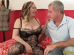 Curvy Mature Savannah Jane Takes an Old Detect for a Joyride