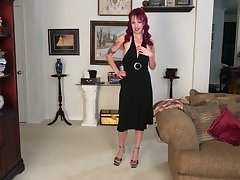 Mature housewife Heather is eager be useful to abusive and farcical masturbation