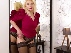 Experienced blonde Zara gets unfurnished and tries to satisfy pussy which is glory in control