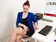 Inexhaustible breasted assistant Jaye Delicate situation shows off say no to hungry hole in the office