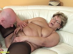 hairy 78 years old bbw granny in low-spirited stoxkings enjoys a rough having it away lesson