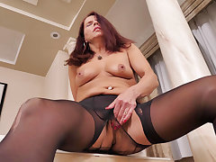 Nyloned milf Candy from Canada needs getting stay away from