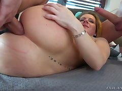 Awesome changeable bitch with nice butt Sasha Zima is a queer whore who loves DP