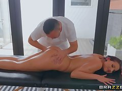 Kerian Lee muff dives milf Jolee Love during a massage session