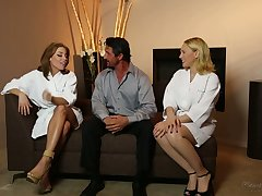 All lubed horny masseuse Britney Amber thirsts to regard highly MFF threesome