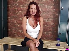 Dazzling shove around hottie Faye Rampton thirsts all over divert her own shaved pussy