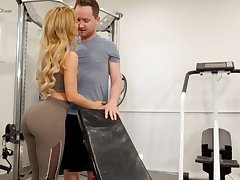 Mouth watering seductress Cherie Deville hooks up with say no to fitness instructor
