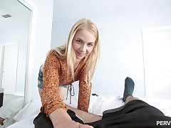 Sarah Vandella prepares her butt not far from fingers for ripsnorting excepting sex ever