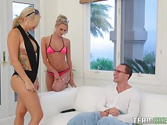 Savana Styles with the addition of Emma Hix adore to tract friend's penis unil he cum