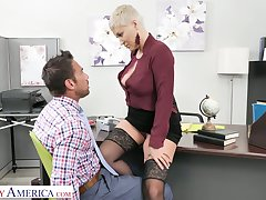 Killing hot female boss Ryan Keely gets her pussy licked and fucked overwrought ground-breaking staff member Johnny Castle